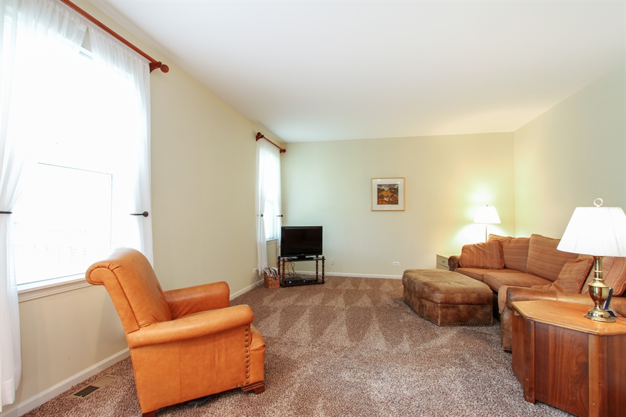 Real Estate Photography - 370 Oakmont Drive, Cary, IL, 60013 - Family Room