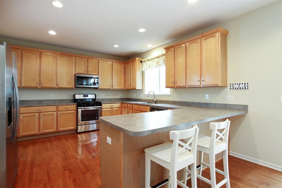 Real Estate Photography - 370 Oakmont Drive, Cary, IL, 60013 - Kitchen