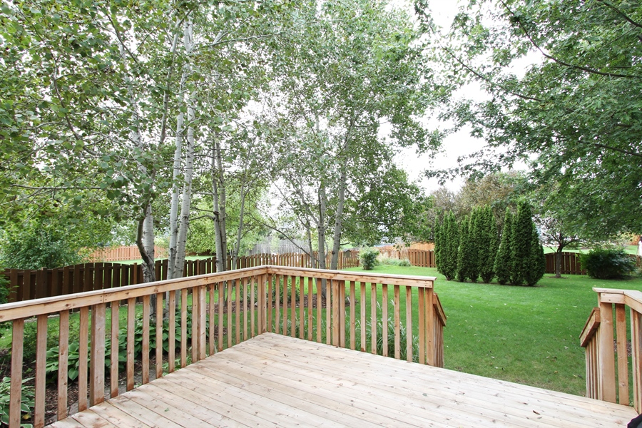 Real Estate Photography - 370 Oakmont Drive, Cary, IL, 60013 - Deck