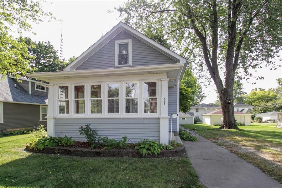 Real Estate Photography - 621 E. Jackson Street, Morris, IL, 60450 - Front View