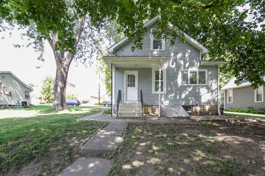 Real Estate Photography - 621 E. Jackson Street, Morris, IL, 60450 - Rear View