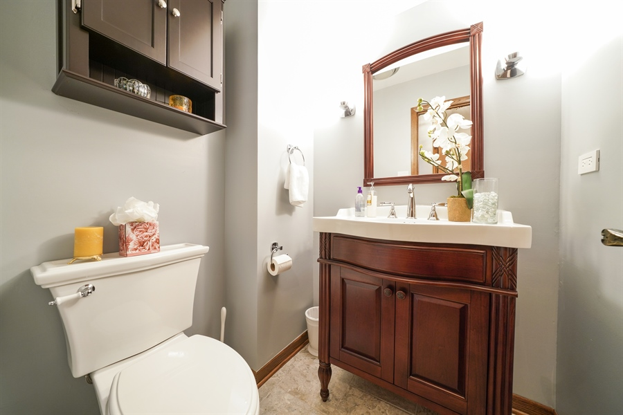 Real Estate Photography - 134 Saddle Brook Drive, Oak Brook, IL, 60523 - Powder Room