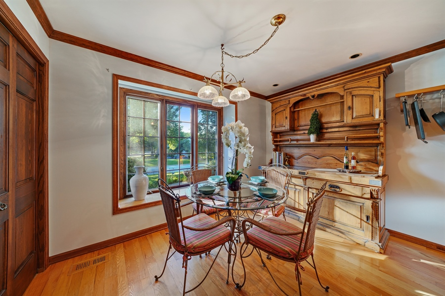 Real Estate Photography - 134 Saddle Brook Drive, Oak Brook, IL, 60523 - Breakfast Area