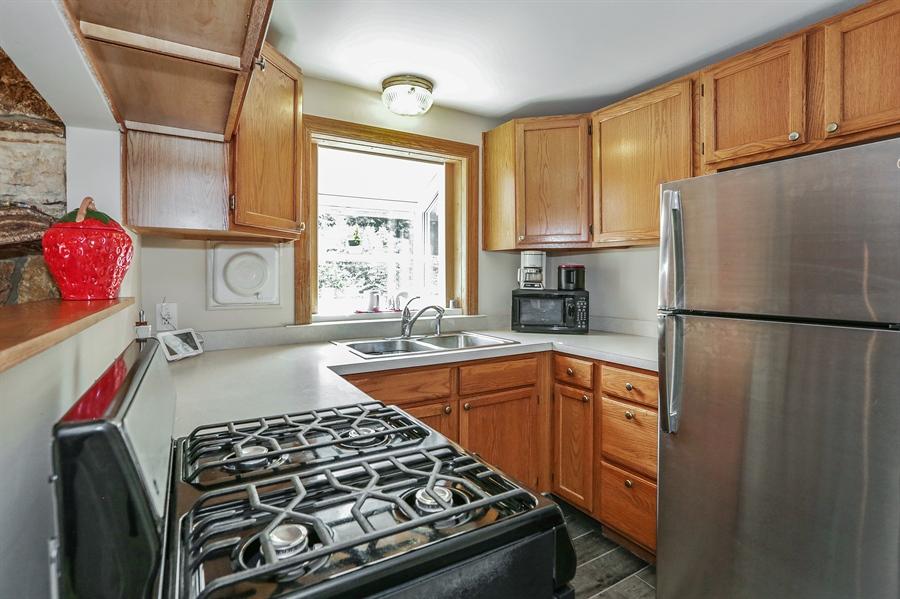 Real Estate Photography - 117 Grove Avenue, Fox River Grove, IL, 60021 - Kitchen