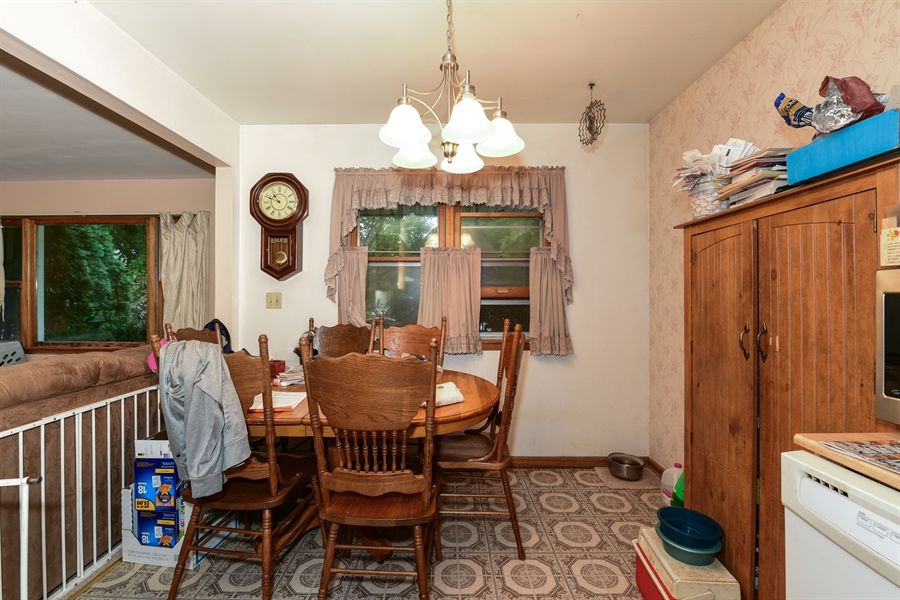 Real Estate Photography - 105 E. 2nd Street, Genoa, IL, 60135 - Dining Area