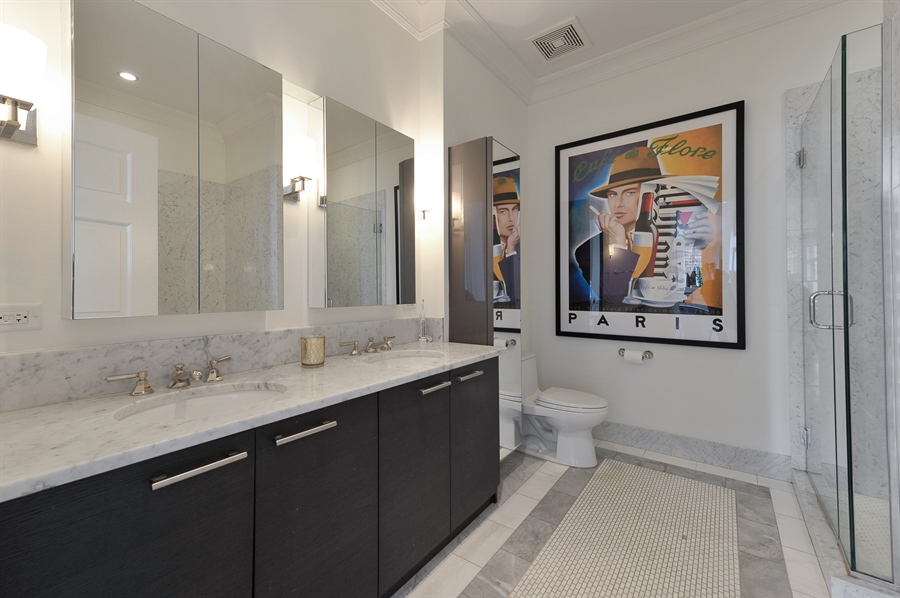 Real Estate Photography - 2550 N. Lakeview Avenue, Unit N1105-6, Chicago, IL, 60614 - 3rd Bathroom