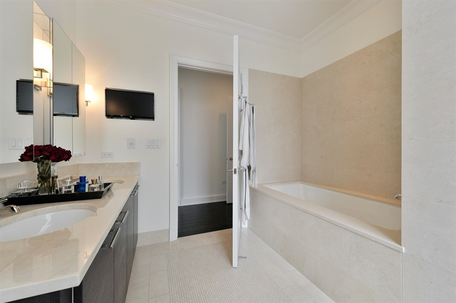 Real Estate Photography - 2550 N. Lakeview Avenue, Unit N1105-6, Chicago, IL, 60614 - Master Bathroom