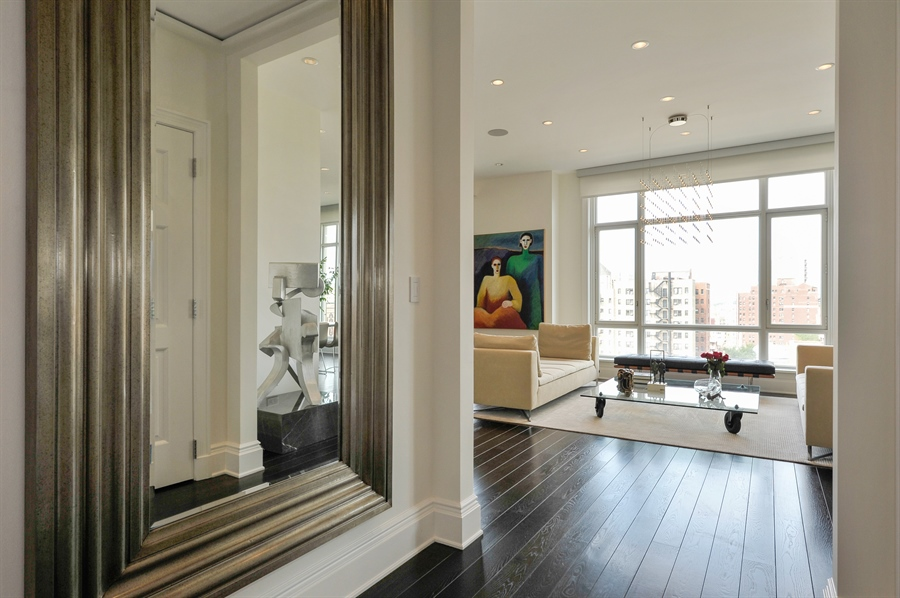 Real Estate Photography - 2550 N. Lakeview Avenue, Unit N1105-6, Chicago, IL, 60614 - Foyer