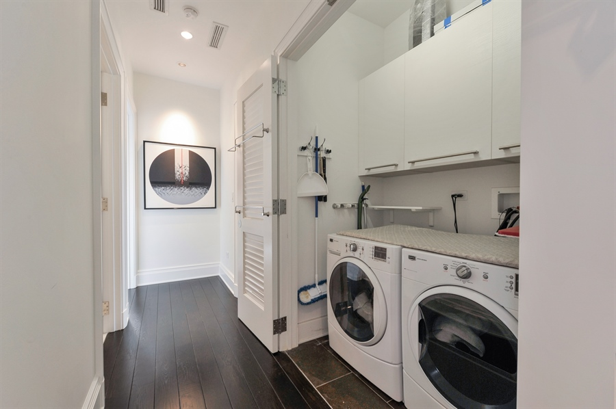 Real Estate Photography - 2550 N. Lakeview Avenue, Unit N1105-6, Chicago, IL, 60614 - Laundry Room