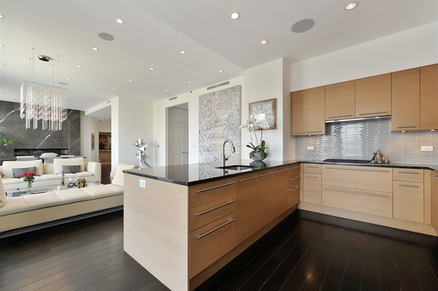 Real Estate Photography - 2550 N. Lakeview Avenue, Unit N1105-6, Chicago, IL, 60614 - Kitchen