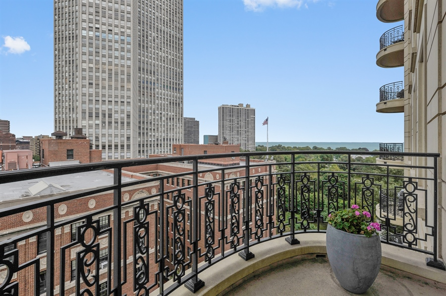 Real Estate Photography - 2550 N. Lakeview Avenue, Unit N1105-6, Chicago, IL, 60614 - Balcony