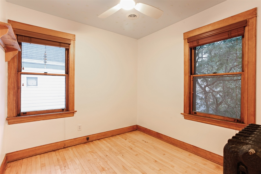 Real Estate Photography - 931 S. Kenilworth Avenue, Oak Park, IL, 60304 - 2nd Bedroom