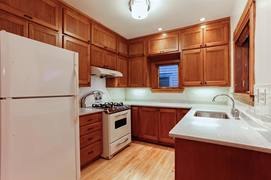 Real Estate Photography - 931 S. Kenilworth Avenue, Oak Park, IL, 60304 - Kitchen