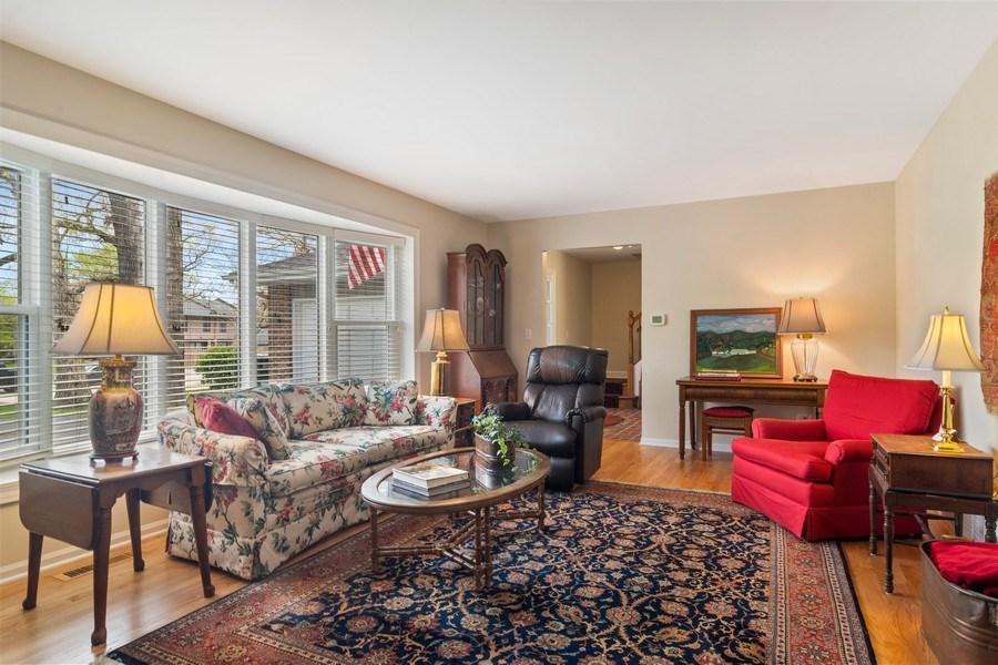 Real Estate Photography - 721 Concord Lane, Barrington, IL, 60010 - Living Room