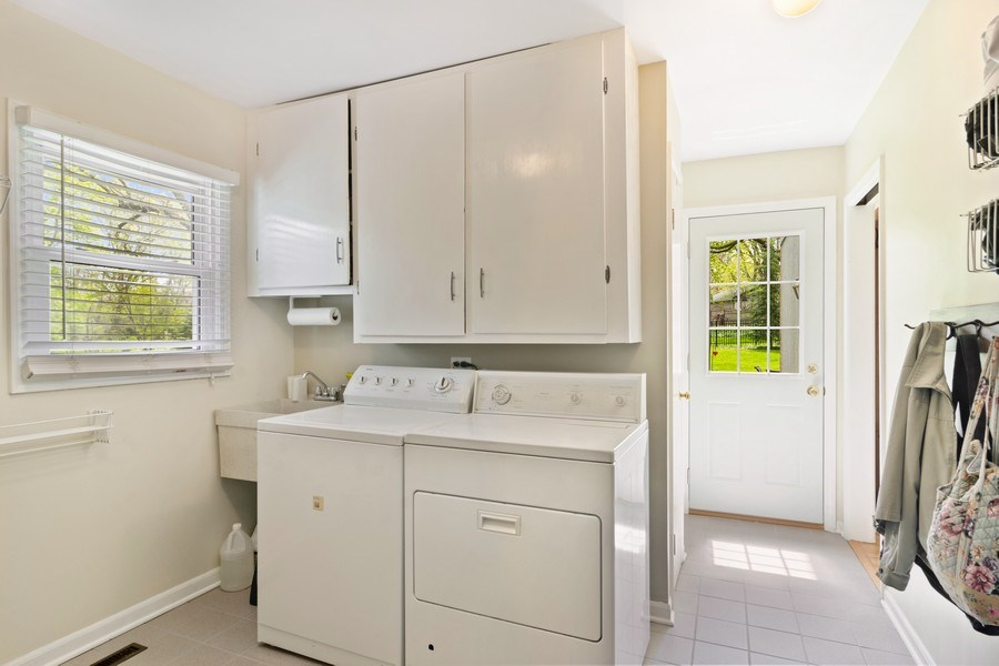 Real Estate Photography - 721 Concord Lane, Barrington, IL, 60010 - Laundry Room