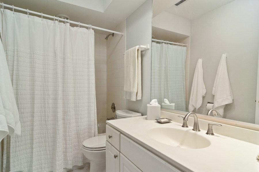 Real Estate Photography - 721 Concord Lane, Barrington, IL, 60010 - Bathroom