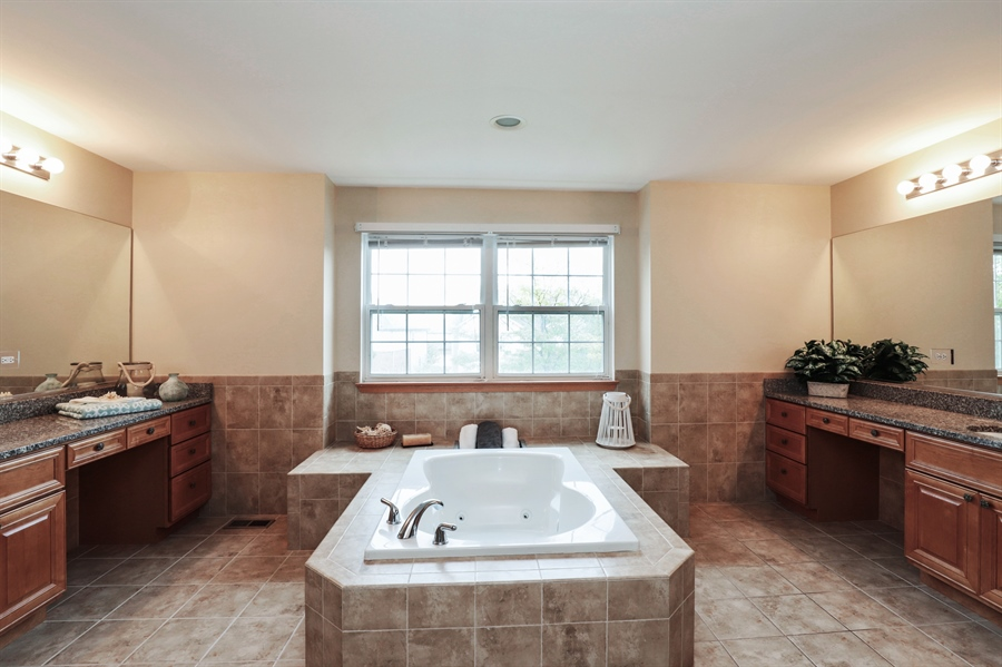 Real Estate Photography - 406 N. White Deer Trail, Vernon Hills, IL, 60061 - Master Bathroom