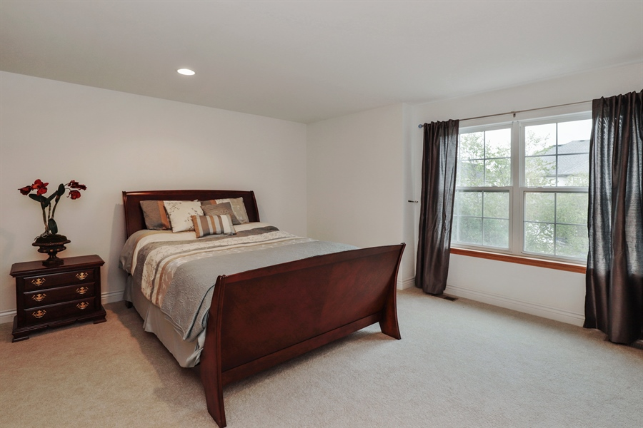 Real Estate Photography - 406 N. White Deer Trail, Vernon Hills, IL, 60061 - 2nd Bedroom