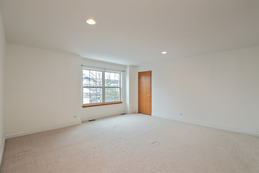 Real Estate Photography - 406 N. White Deer Trail, Vernon Hills, IL, 60061 - Bedroom