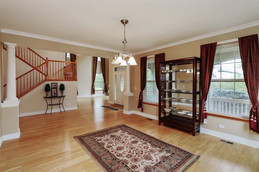 Real Estate Photography - 406 N. White Deer Trail, Vernon Hills, IL, 60061 - Dining Room