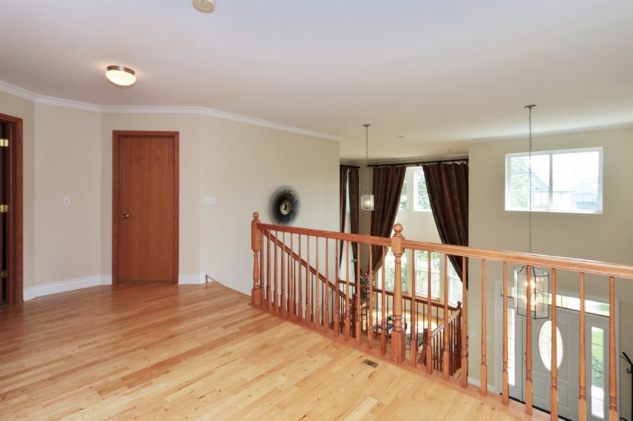 Real Estate Photography - 406 N. White Deer Trail, Vernon Hills, IL, 60061 - Loft