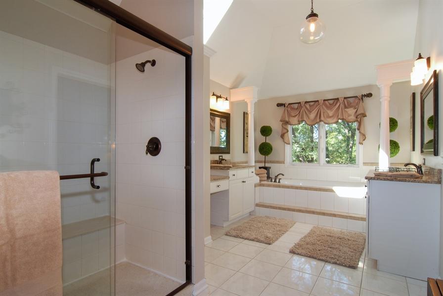 Real Estate Photography - 1090 Chadwick Court, Aurora, IL, 60502 - Master Bathroom