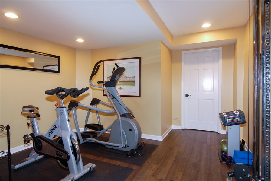 Real Estate Photography - 1090 Chadwick Court, Aurora, IL, 60502 - Exercise Room