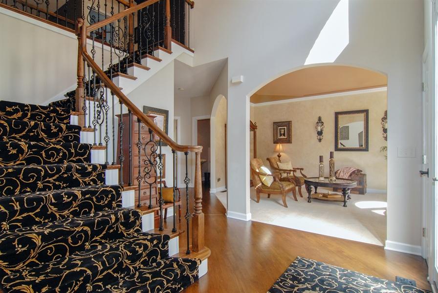 Real Estate Photography - 1090 Chadwick Court, Aurora, IL, 60502 - Foyer