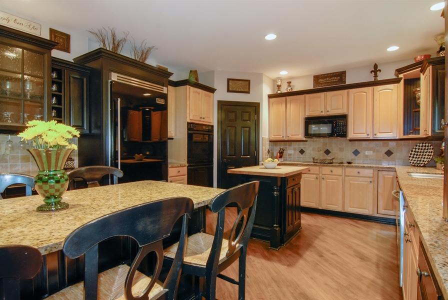 Real Estate Photography - 1090 Chadwick Court, Aurora, IL, 60502 - Kitchen
