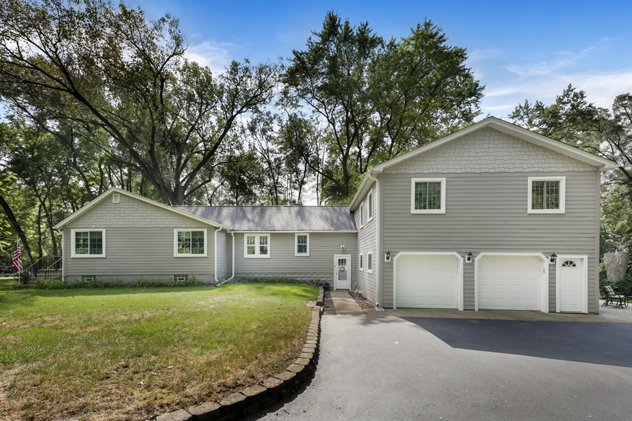 Real Estate Photography - 3S620 Mignin Drive, Warrenville, IL, 60555 - Side View