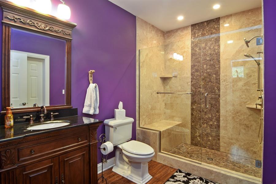 Real Estate Photography - 78 E. WILMETTE Avenue, Palatine, IL, 60067 - 3rd Bathroom