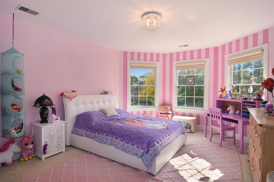 Real Estate Photography - 78 E. WILMETTE Avenue, Palatine, IL, 60067 - 2nd Bedroom