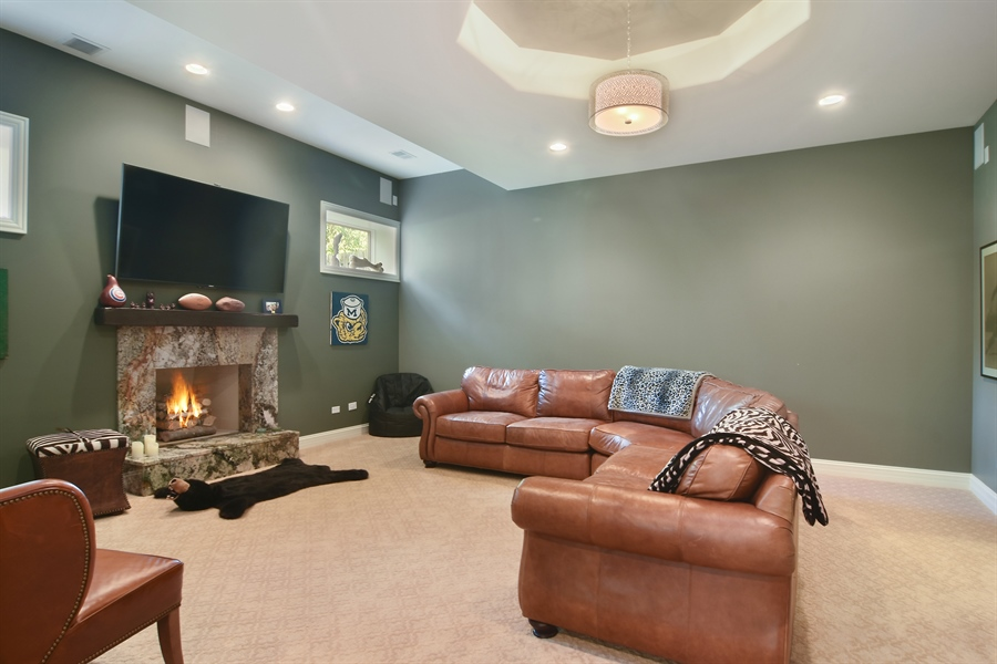 Real Estate Photography - 78 E. WILMETTE Avenue, Palatine, IL, 60067 - Family Room Basement