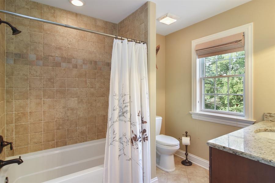 Real Estate Photography - 78 E. WILMETTE Avenue, Palatine, IL, 60067 - Bathroom