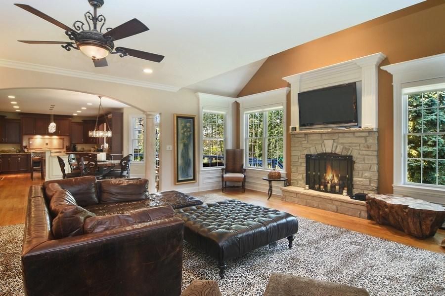 Real Estate Photography - 78 E. WILMETTE Avenue, Palatine, IL, 60067 - Family Room / Kitchen