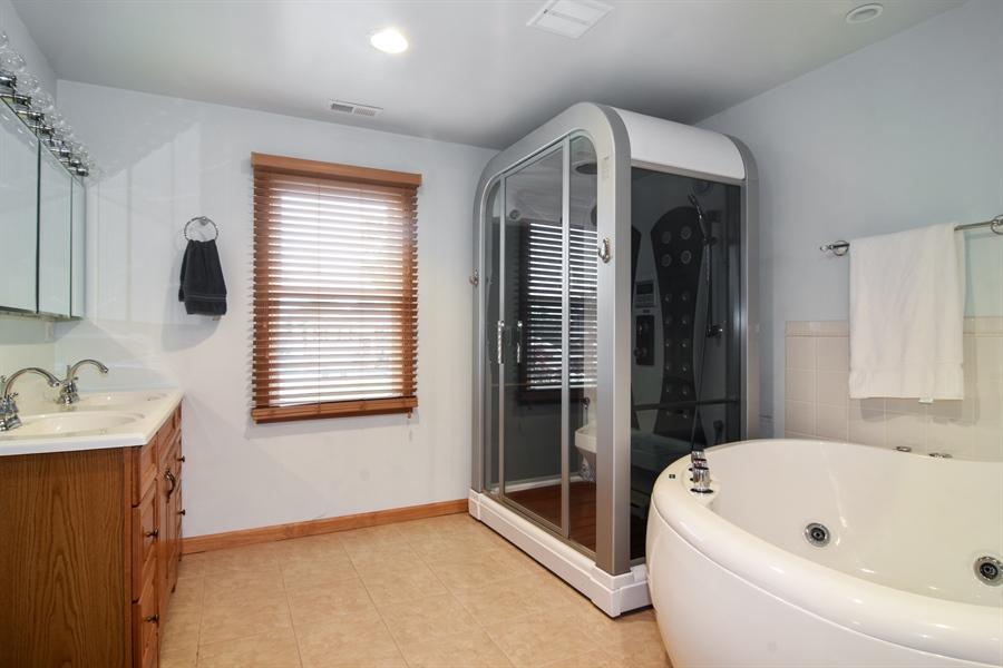 Real Estate Photography - 4997 Somerton Drive, Hoffman Estates, IL, 60010 - Master Bathroom