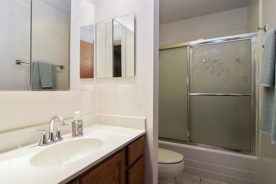 Real Estate Photography - 4997 Somerton Drive, Hoffman Estates, IL, 60010 - Bathroom