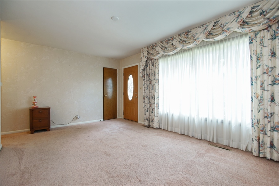 Real Estate Photography - 308 N. William Street, Mount Prospect, IL, 60056 - Living Room