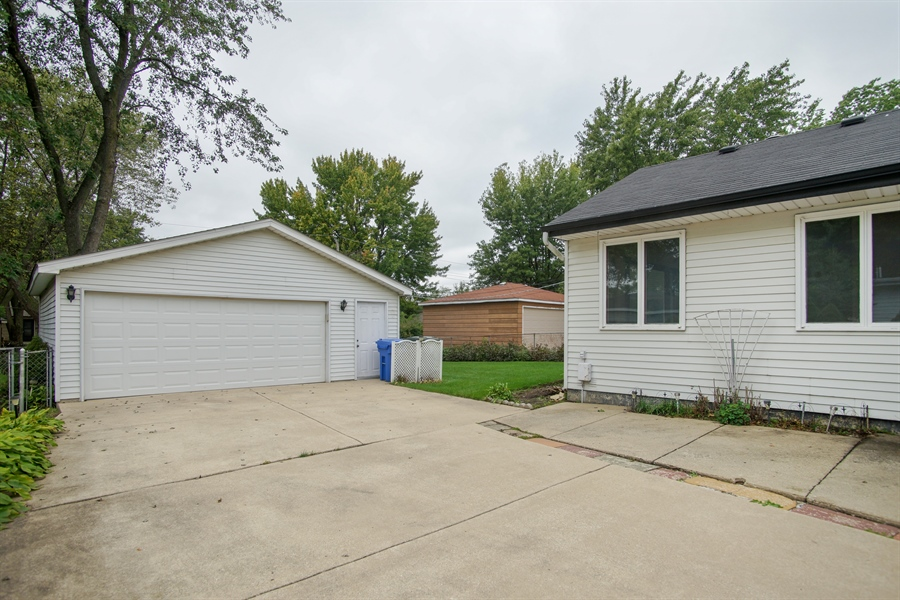 Real Estate Photography - 308 N. William Street, Mount Prospect, IL, 60056 - Side Drive to Garage