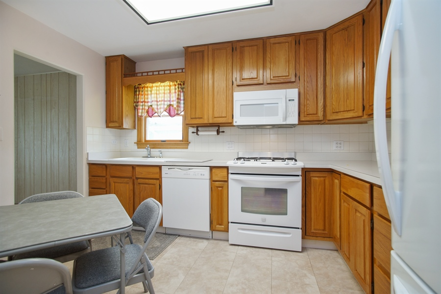 Real Estate Photography - 308 N. William Street, Mount Prospect, IL, 60056 - Kitchen