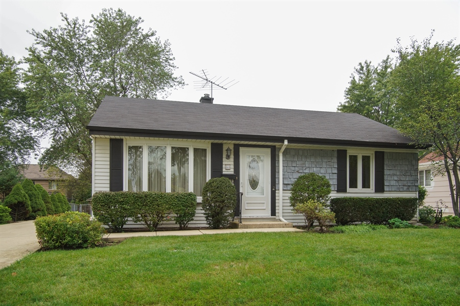 Real Estate Photography - 308 N. William Street, Mount Prospect, IL, 60056 - Front View