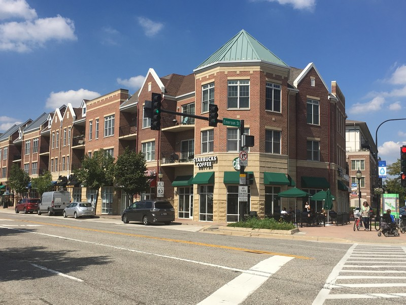 Real Estate Photography - 308 N. William Street, Mount Prospect, IL, 60056 - Downtown Shopping