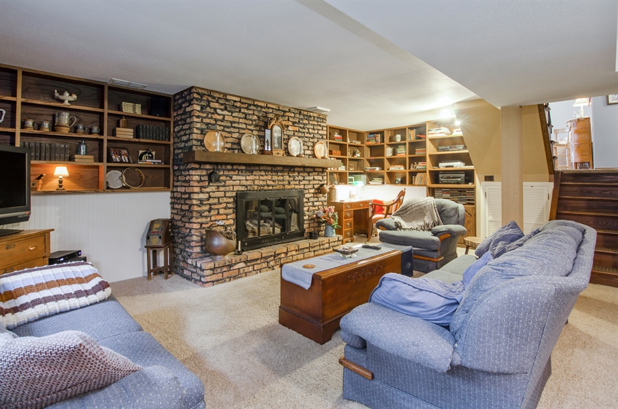 Real Estate Photography - 3813 Franklin Court, Crystal Lake, IL, 60014 - Family Room