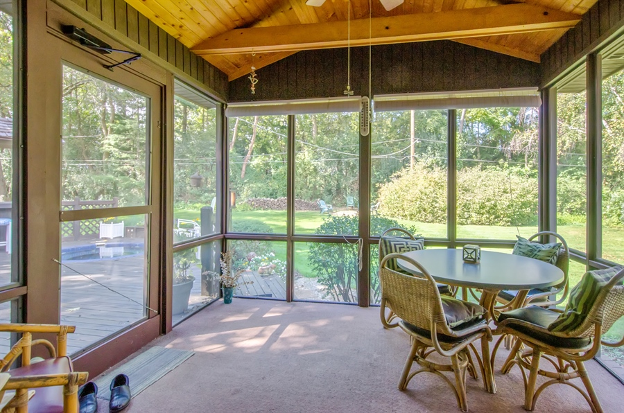 Real Estate Photography - 3813 Franklin Court, Crystal Lake, IL, 60014 - Sun Room