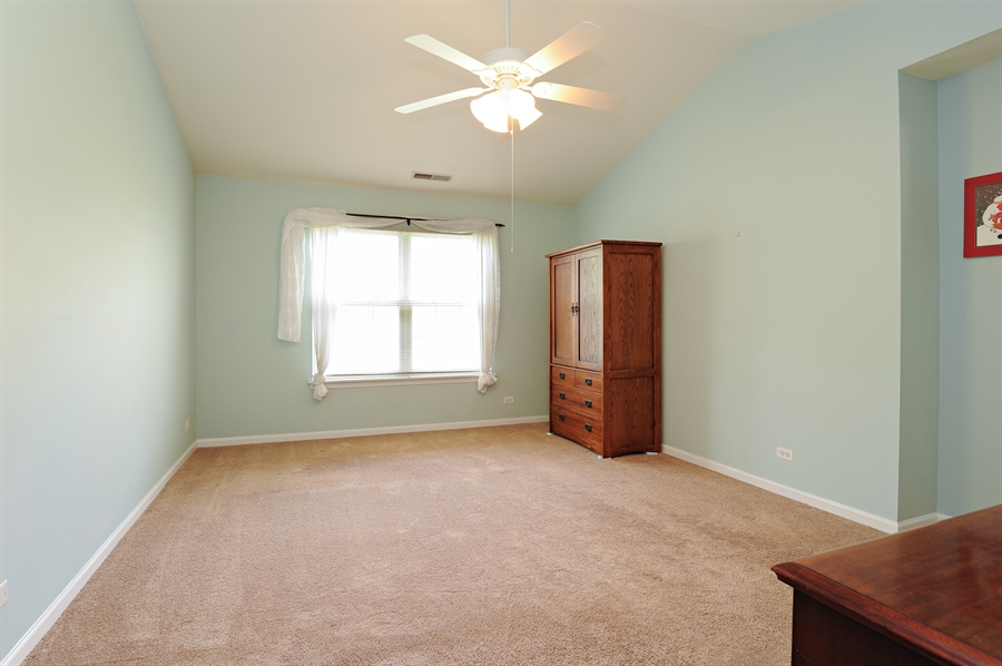Real Estate Photography - 533 Willow Way, Lindenhurst, IL, 60046 - Master Bedroom