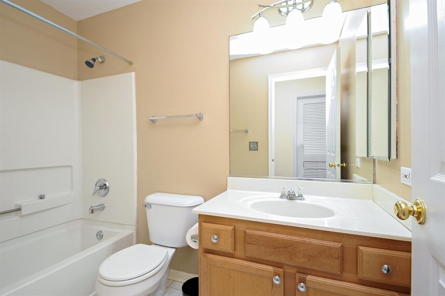 Real Estate Photography - 533 Willow Way, Lindenhurst, IL, 60046 - Bathroom