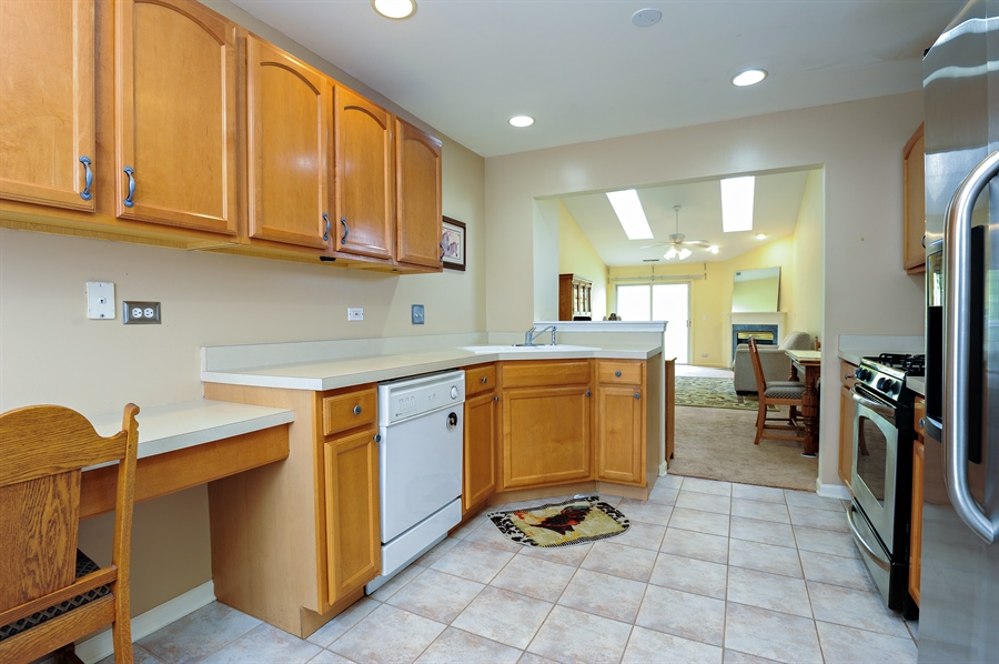 Real Estate Photography - 533 Willow Way, Lindenhurst, IL, 60046 - Family Room / Kitchen