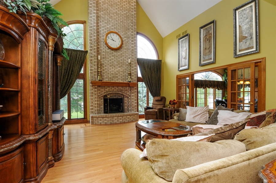 Real Estate Photography - 10615 Burnham Court, Naperville, IL, 60564 - Family Room