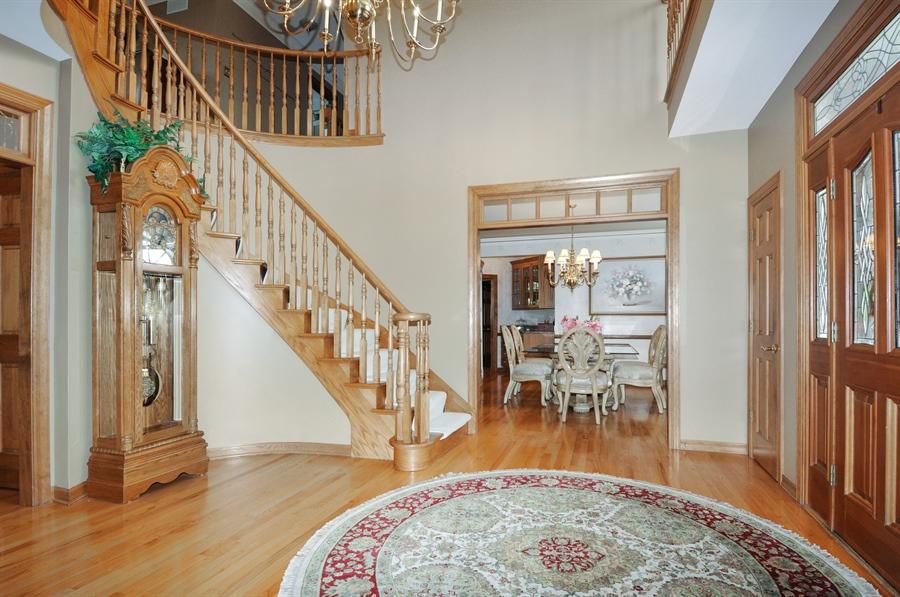 Real Estate Photography - 10615 Burnham Court, Naperville, IL, 60564 - Foyer