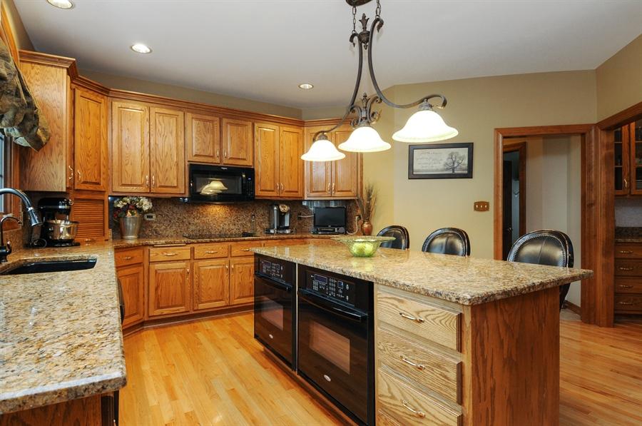 Real Estate Photography - 10615 Burnham Court, Naperville, IL, 60564 - Kitchen